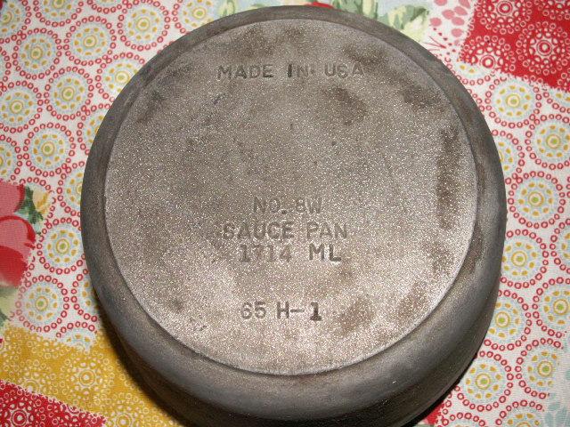 cast_iron_sauce_pan_002.JPG